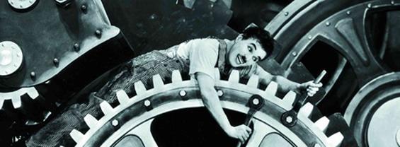 particolare foto Chaplin dal film Tempi moderni